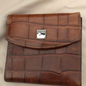 Dooney & Bourke brown leather wallet NEVER USED